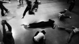 6 WOMEN DANCE